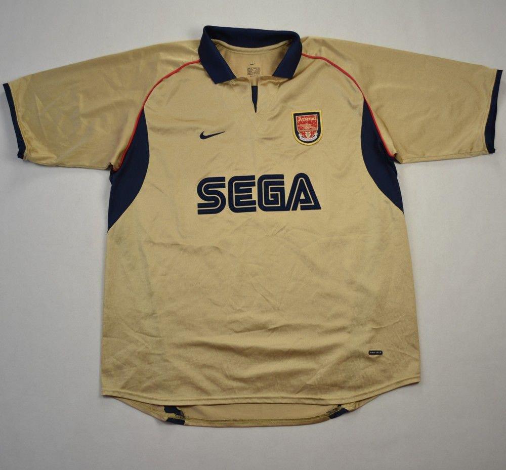 Arsenal Jersey In London 02