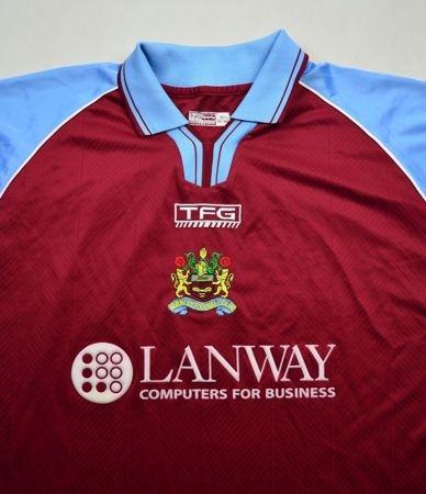 2002-03 BURNLEY FC *LITTLE* SHIRT SIZE 46/48